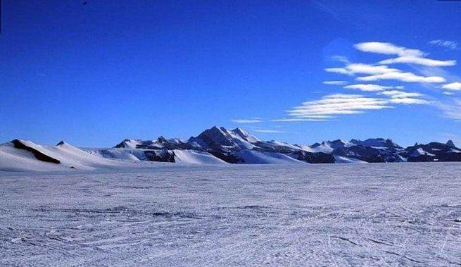 Арктичні і антарктичні пустелі